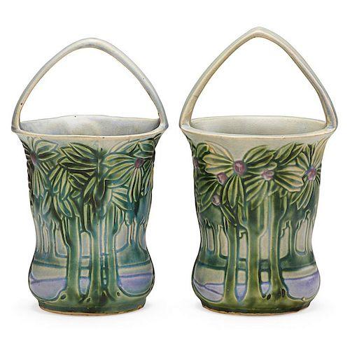 """ROSEVILLE Two 10"""" Vista baskets"""