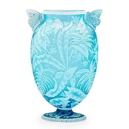 THOMAS WEBB & SONS Exceptional cameo vase
