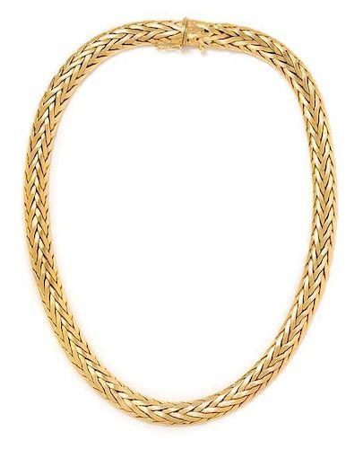 * An 18 Karat Yellow Gold Necklace, Handarbeit, 43.60 dwts.