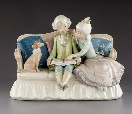 Lladro #5229 'Story Time' Figurine