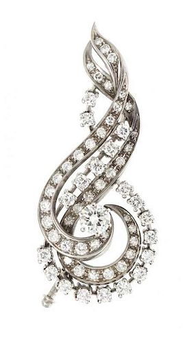 A 14 Karat White Gold and Diamond Brooch, 8.90 dwts.