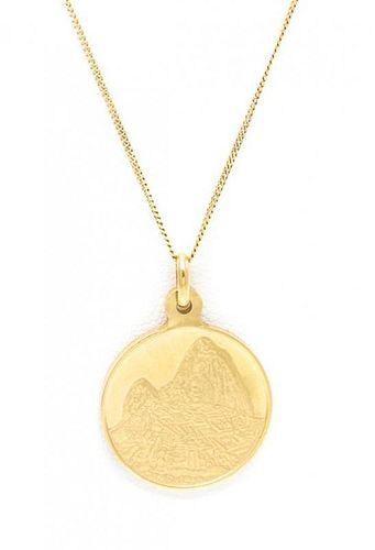 An 18 Karat Yellow Gold Pendant, 4.40 dwts.