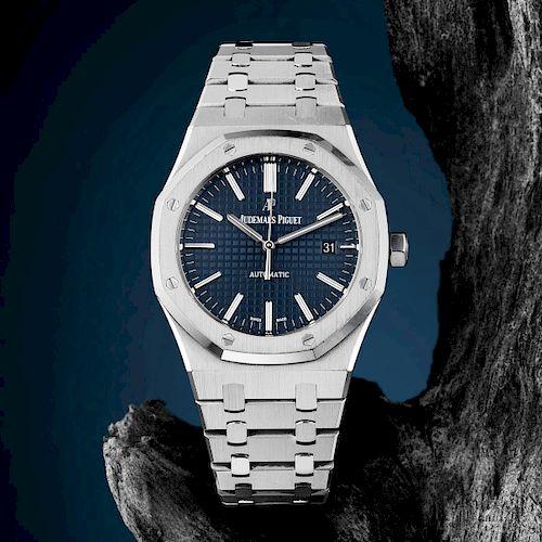 Audemars Piguet Royal Oak Watch, ref. 15400ST.OO.1220ST.03