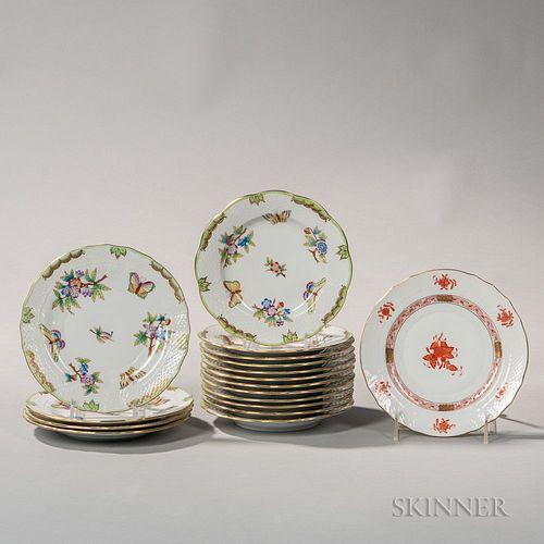 "Sixteen Pieces of Herend Porcelain ""Queen Victoria"" Pattern Tableware"