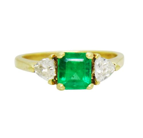 18K Yellow Gold Emerald and Diamonds Ring Size 8.25