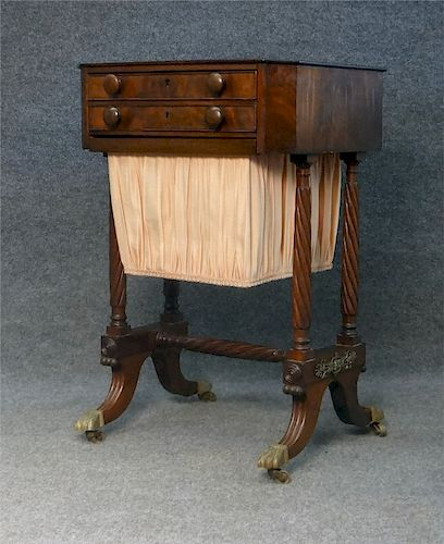 FEDERAL PERIOD MAHOGANY WORK TABLE OR BAG STAND