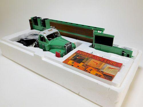 First Gear 1:25 Mack B-Model Truck & Gooseneck