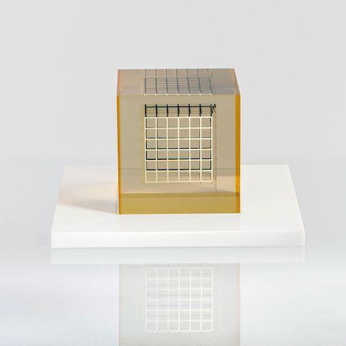 'Deformazione ottico-dinamica - cubo, serie a reticolo L', 1959-63