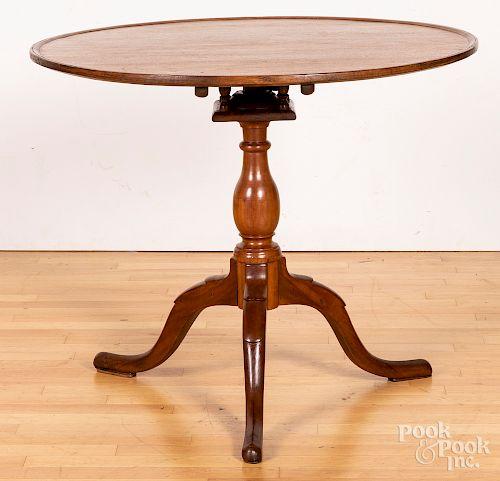 Pennsylvania Queen Anne tea table