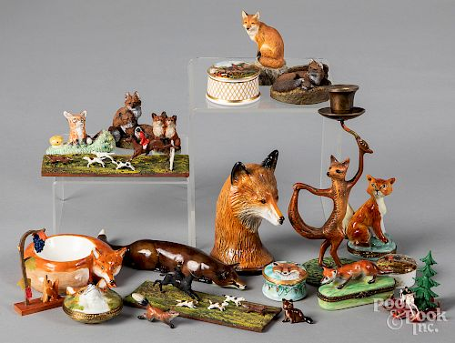 Collection of fox subject figures, etc.