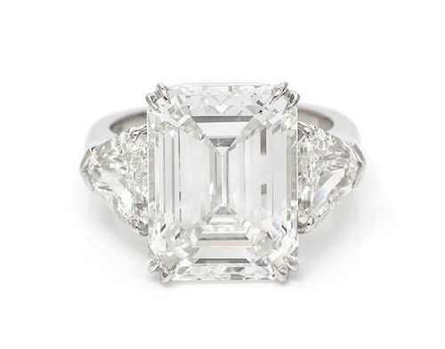 An Important Platinum and Diamond Ring, Graff, 6.60 dwts.