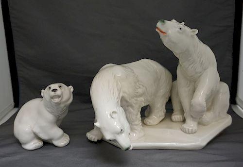 GROUP PORCELAIN POLAR BEARS