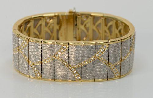 M. Bondanza platinum, 18 karat gold bracelet set with 168 round brilliant cut diamonds, 2.75 cts. total, twenty-four links. length 6...