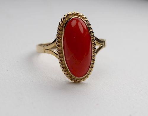 18k Gold & Red Coral Woman's Ring