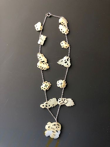 CHINESE ANTIQUE WHITE JADE NECKLACE