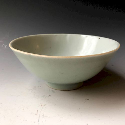 A CHINESE ANTIQUE BOWL