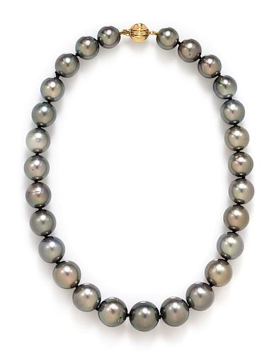 A 14 Karat Yellow Gold and Cultured Tahitian Pearl Necklace, 64.40 dwts.