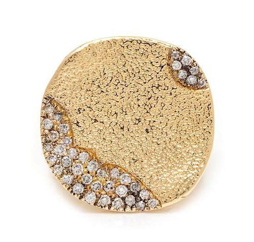 An 18 Karat Yellow Gold and Diamond Ring, 18.40 dwts.
