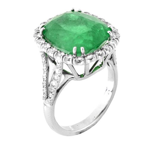 9.0ct Colombian Emerald and 18K Ring