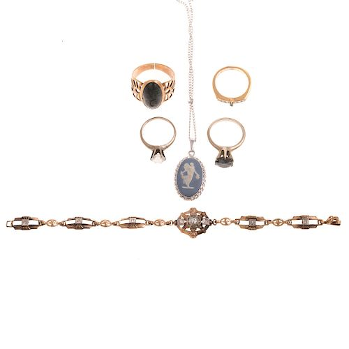 A Selection of Ladies Vintage Jewelry