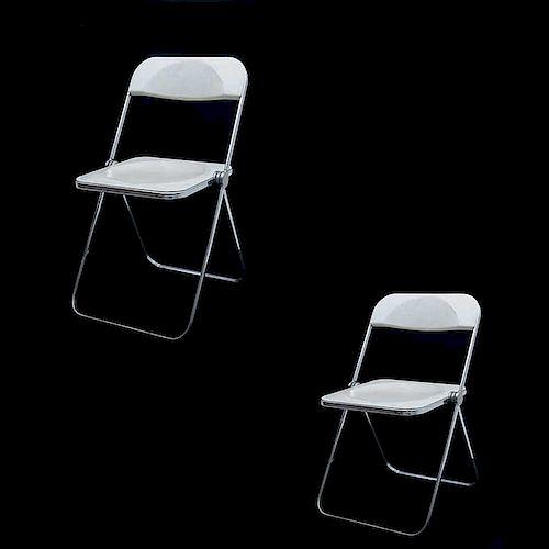 "Giancarlo Piretti para Castelli. Italia, años 70. Par de sillas plegables ""Plia"" Estructuras de acero cromado. Piezas: 2"
