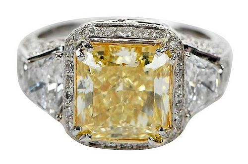4.30ct. Fancy Yellow Diamond Ring