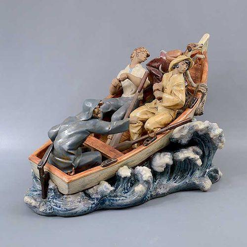 Naufragio. España. Siglo XX. Elaborado en porcelana Lladró. Acabado gres.