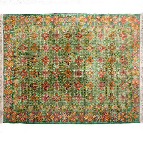 Tapete. México. SXX. Diseño típico del Arte popular mexicano. Elaborado a mano en lana. Decorado con motivos geométricos y orgánicos.