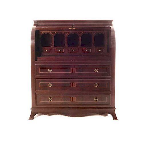 Secreter. Italia. Siglo XX. Marca Firenze Original. En talla de madera enchapada. Con aplicaciones de metal dorado.