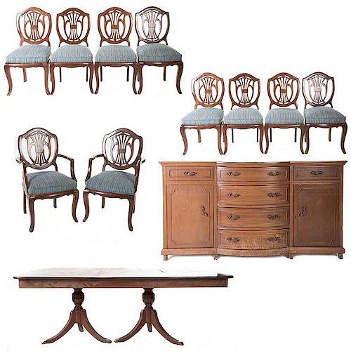 Comedor. Siglo XX. En talla de madera. Consta de 8 sillas, 2 sillones, mesa y trinchador.