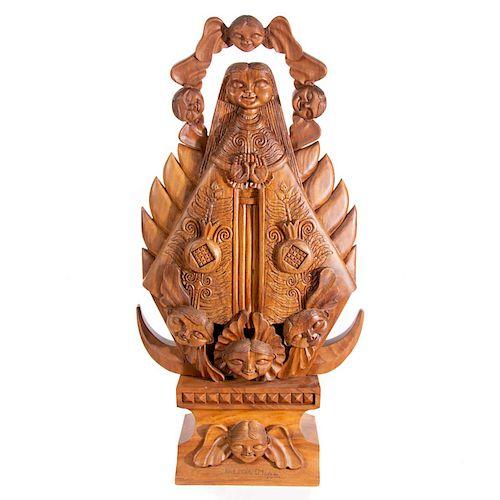 José María Servin. Virgen. Firmada en la base. En talla de madera. Sobre base de madera.