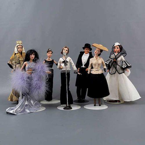 Colección de 7 personajes películas clásicas y artistas. Estados Unidos. Siglo XX. Elaborados en polipropileno. Vestidos y con peluca.