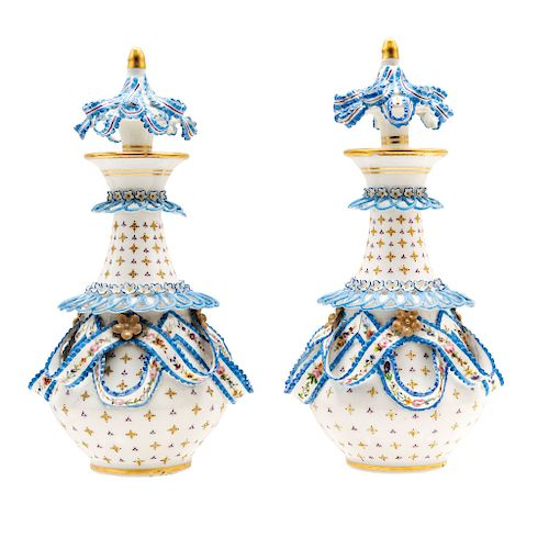A PAIR OF PERFUME BOTTLES. FRANCE, 19TH CENTURY.