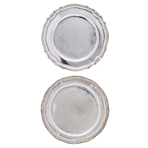 A PAIR OF STERLING SILVER PLATES. MEXICO, 19TH CENTURY.
