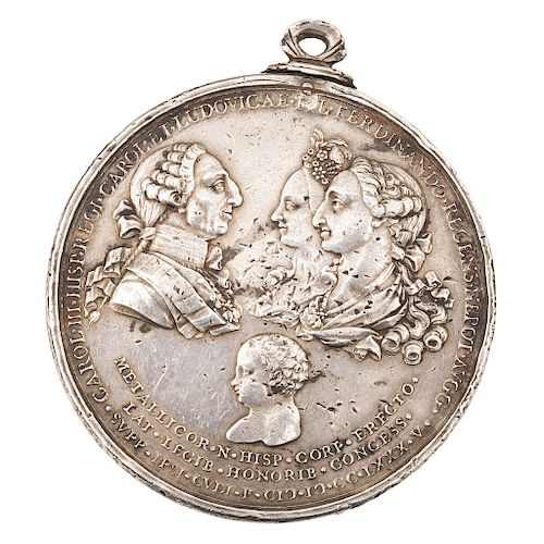 A COMMEMORATIVE SILVER MEDAL OF THE BIRTH OF FERNANDO VII OF SPAIN. NEW SPAIN, 18TH CENTURY.