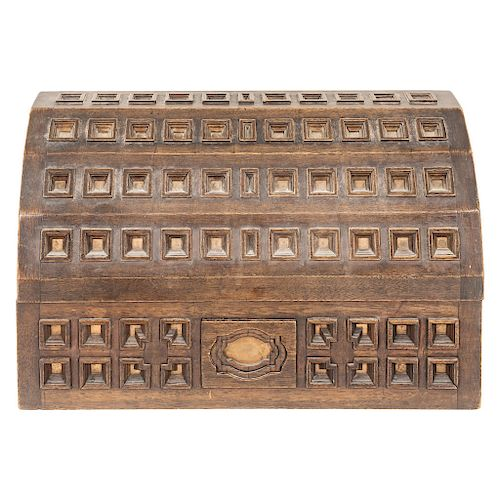 A CHEST. MEXICO, EARLY 20TH CENTURY.