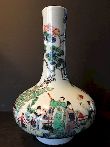 ANTIQUE Chinese Wucai Figurine Vase, 17th-18th century, Kangxi period