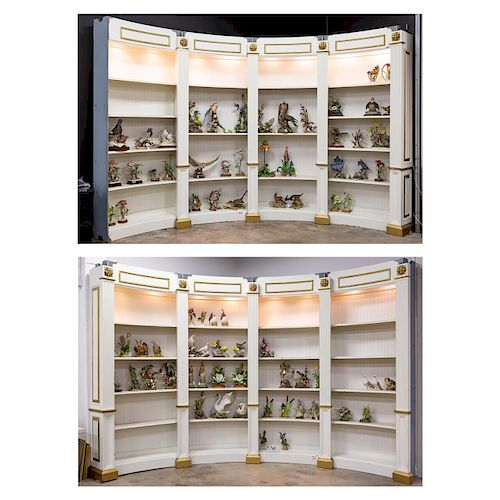 Large Curved Neoclassical Style Display Unit