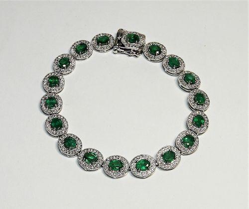 Fine Lady's Emerald & Diamond Platinum Bracelet