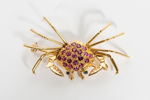 18k Yellow Gold & Ruby Crab Brooch, Sapphire Eyes