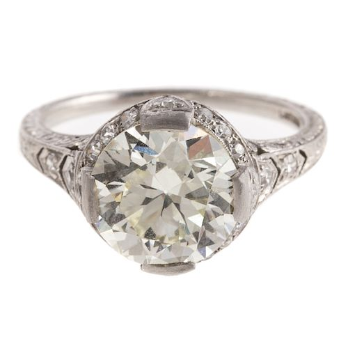 An Art Deco Filigree 3.80ct Diamond Ring in Plat