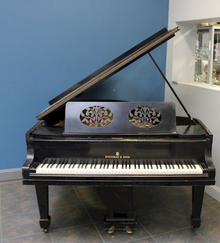 STEINWAY & SONS Piano Serial # 128400
