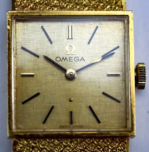 Ladies Vintage Omega 18k Gold Mechanical Watch