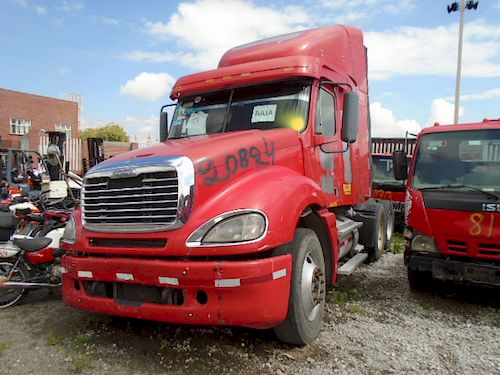 Tractocamion Freightliner CL120 2008