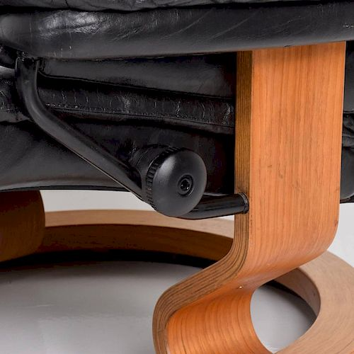 Astonishing Vintage Scandinavian Modern Ekornes Stressless Recliner Caraccident5 Cool Chair Designs And Ideas Caraccident5Info
