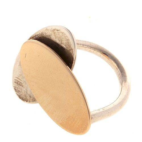 A Ladies Silver & Gold Disc Ring by Betty Cooke