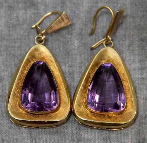 JEWELRY. 14ct Gold and Amethyst Earrings.