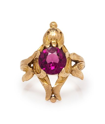 A Yellow Gold and Glass Foliate Motif Ring,