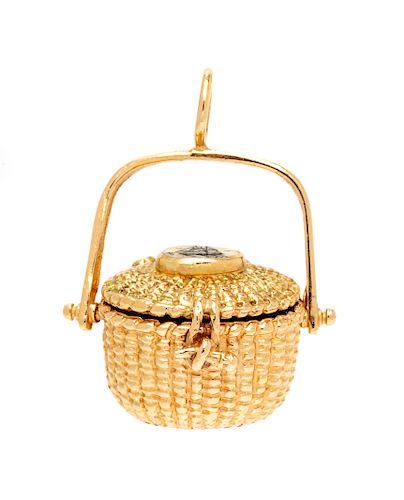 A 14 Karat Yellow Gold Nantucket Basket Charm,