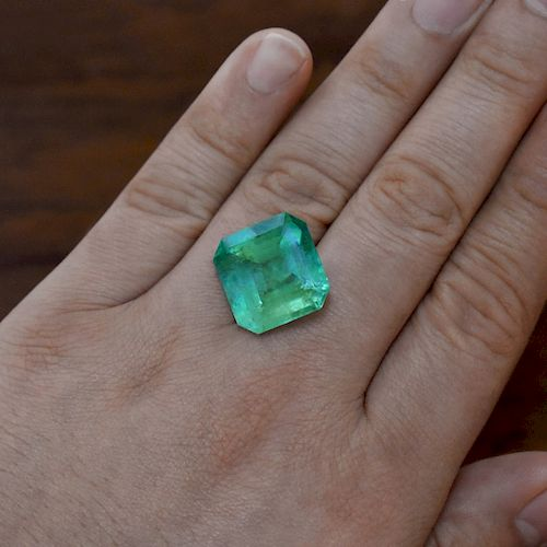 22.79ct Colombian Emerald